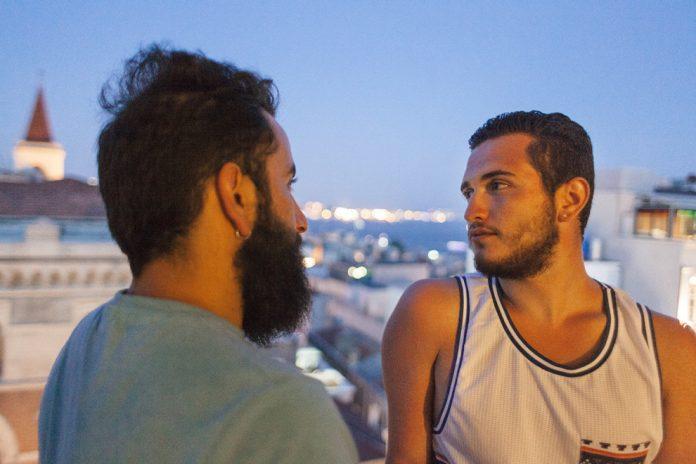 gay μπαμπάδες όργιο Λατίνοι πορνο