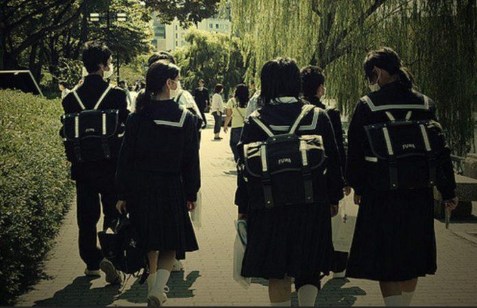 Ποια είναι η νόμιμη ηλικία γνωριμιών στην Ιαπωνία βγαίνω με την κοπέλα μου για ένα χρόνο.