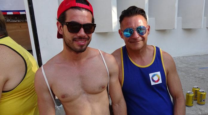 τρόφιμος γκέι σεξ Κατάμαυρος/η τραβεστί πορνό γκαλερί