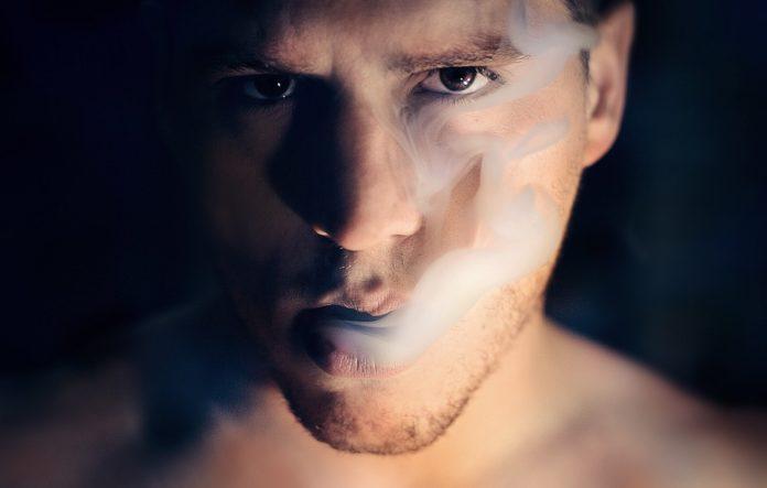 καπνίζουν γκέι σεξ XXX milf σεξ ταινίες