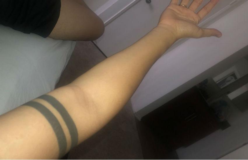 τατουάζ πορνό λεσβία Teen κορίτσια γυμνό ντους
