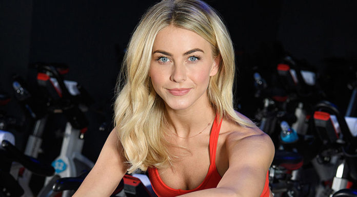 Actress and dancer Julianne Hough (Dave Kotinsky/Getty)