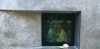 Μνημείο αφιερωμένο στους ομοφυλόφιλους που διώχθηκαν από τους Ναζί