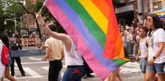 Έρευνα έδειξε ότι όσοι μισούν τα ΛΟΑΤΚΙ άτομα είναι γενικά λιγότερο ευφυείς