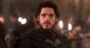 O ηθοποιός, Ρίτσαρντ Μάντεν, ως Ρομπ Σταρκ, στo Game of Thrones