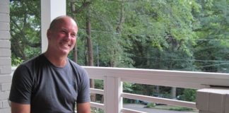 "Gerald L. Bostock: ""Με απέλυσαν επειδή είμαι ομοφυλόφιλος. Αγωνίζομαι επειδή είναι λάθος"" , για το Out"