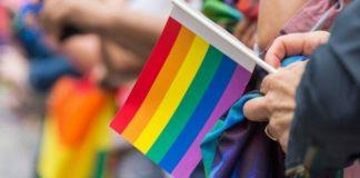 Έκαψε σημαία του Pride και καταδικάστηκε σε 16 χρόνια φυλάκισης