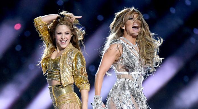 Η Shakira και η Jennifer Lopez στη σκηνή του Super Bowl