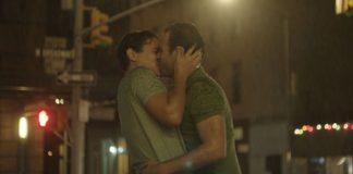 """Ένα ζευγάρι γκέι ανδρών πρωταγωνιστεί στην rom-com """"Almost Love"""""""