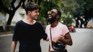 Η παρέα με άλλα ΛΟΑΤΚΙ+ άτομα βελτιώνει την υγεία μας