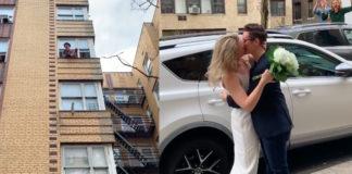 Γάμος σε δρόμο της Νέας Υόρκης λόγω της κοινωνικής αποστασιοποίησης