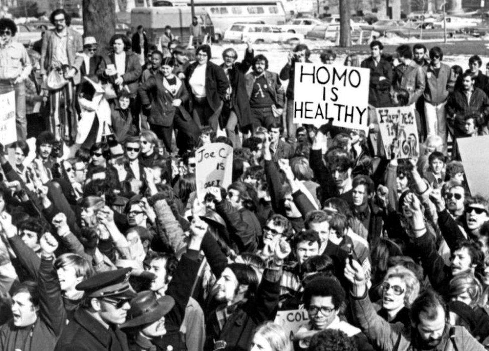 Cured: Πώς χρησιμοποιήθηκε ο όρος της «ψυχικής ασθένειας» ως εργαλείο κατά  των ΛΟΑΤ δικαιωμάτων