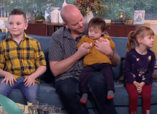 οικογένεια, γκέι μπαμπάς, παιδιά με αναπηρία
